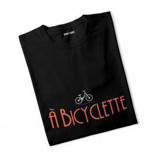 T-shirt vrouw aan Fiets